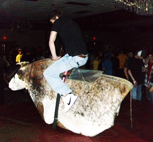 Mechanical Bull - Red Lion Hotel